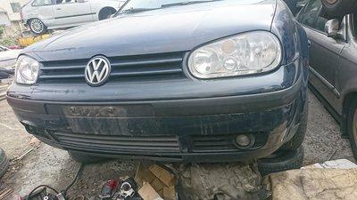 VW  GOLF4 MK4 1.6 原廠霧燈 尾翼 坎入式晴雨窗 零件車