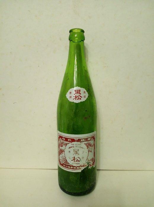 ~花羨好物~《黑松汽水》630cc玻璃瓶(汽水玻璃瓶空瓶一個)適擺飾一779