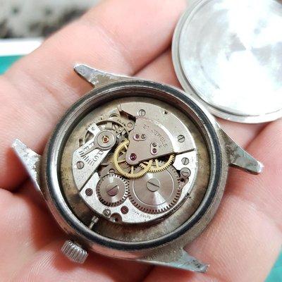 大顆的 手上鏈 機械錶 不會走 清出來的 通通便宜賣 拆零件都划算 另有 SEKIO CASIO CITIZEN TELUX TITONI ORIENT G4