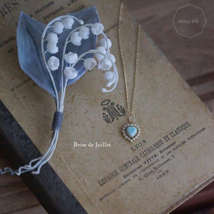 BD03-法式手工輕珠寶-蔚藍色的心。小珍珠鑲嵌心形天然海紋石項鍊 925純銀鍍金 lindy picotin
