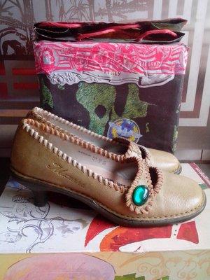 瑤瑤小舖@麥坎納MACANNA 橄欖綠 毛邊娃娃鞋.500元起標