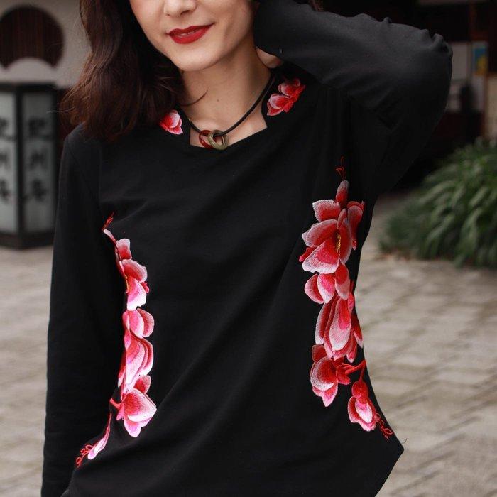 !中國藍Anewei黑純棉繡花T恤-2L.4L.5L-另有米白