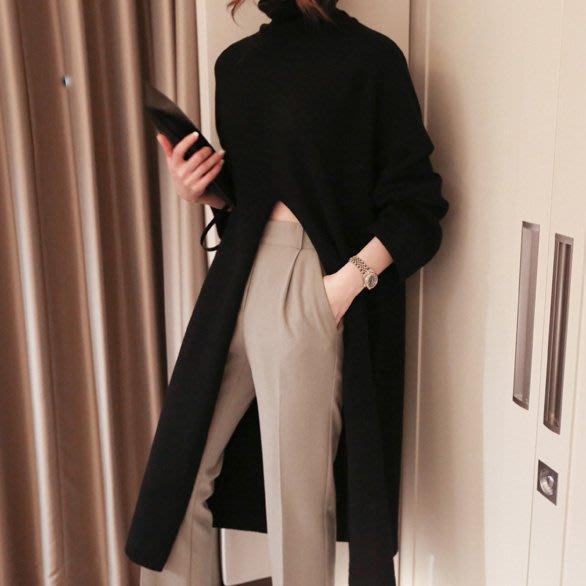 新品首發優惠至11/30 時尚設計款外搭式長洋裝 高領高腰大開岔針織長連身裙 艾爾莎【TGK8612】