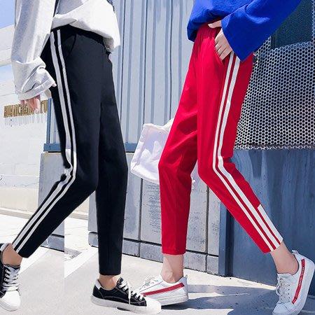 條紋拼接休閒長褲 線條女運動褲 2色 M-2XL碼【RK67282】