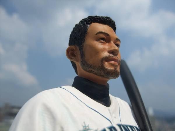 貳拾肆棒球qman-Q-MAN限量1500支珍藏品MLB寫實版西雅圖水手鈴木一朗公仔