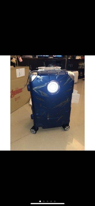 Deseno 特仕版戰損鋼鐵人  鋁框版20吋 行李箱 9成5新