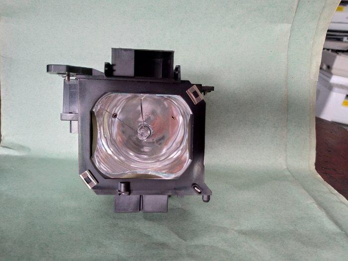 EPSON  LCD PROJECTOR MODEL EMP-7900單槍投影機 原廠拆機燈泡