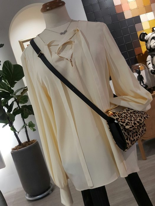 [ RainDaniel ] TIBI 紐約時尚品牌 杏白 垂感袖純絲飄逸衫