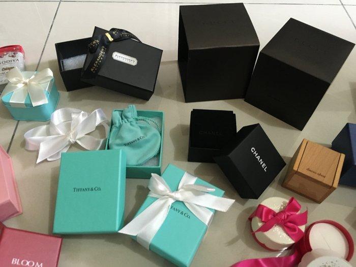 1.TIFFANY AGNES.B小b LC LE CREUSE TISSOT 耳環/飾品/手錶 包裝盒/鐵盒/紙盒