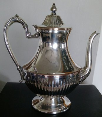 121美國鍍銀壺Silver Plate Tea Pot Marked Lion/Shield/Unicorn