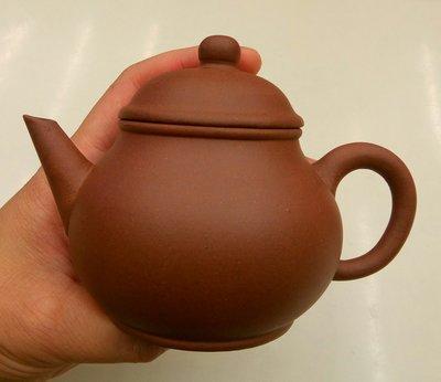 以前在老台鐵列車上專門幫乘客倒茶水的退休服務員的老收藏/一廠/周桂珍輔導/紫砂壺/茶壺