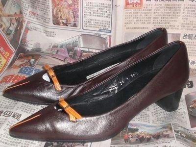 ☆甜甜妞妞小舖 ☆西班牙品牌  ALIMA  咖啡色真皮休閒中跟尖頭包鞋 ----35.5號