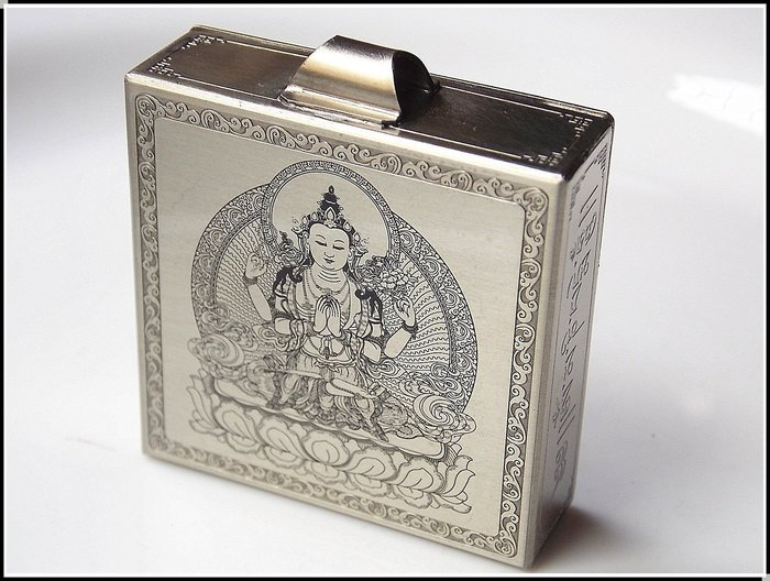 【雅之賞|藏傳|佛教文物】特賣*手工製作 四臂觀音純銅嘎嗚~303241  (附桑耶寺降魔寶印金剛結)