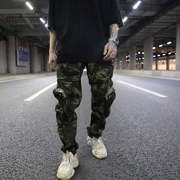 『你型我塑』8月更新2019 INS同款高街立體剪裁多口袋迷彩直筒寬鬆堆積工裝褲 軍裝風男褲潮MX41