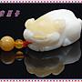 【家蓁香二館】收藏級 海南天然特選 玉化金絲透料 精雕『萌萌噠豬寶寶』吊墜項鏈(TR-E-01)