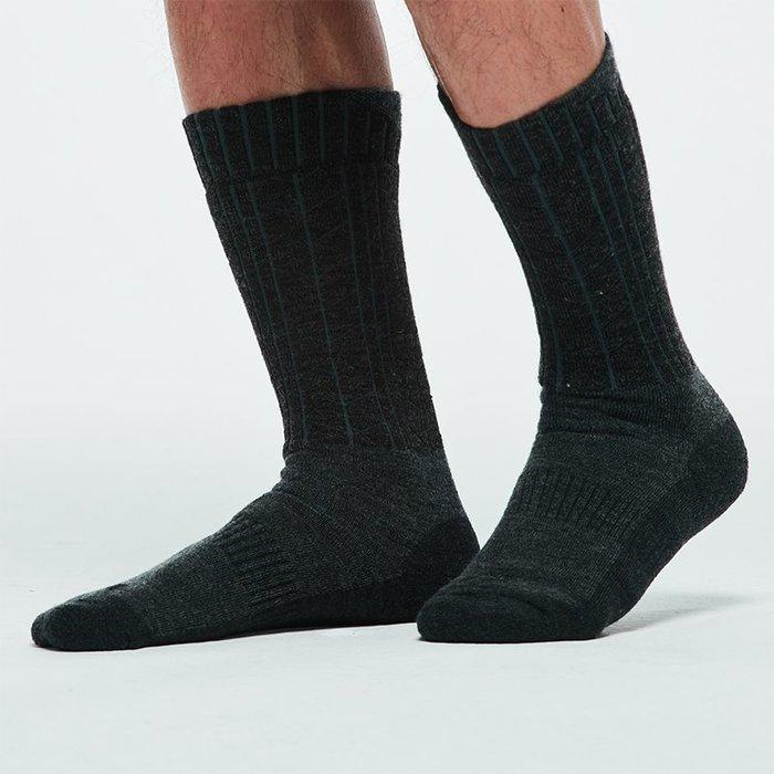 保暖襪子戶外登山襪中高筒 2雙美利奴羊毛冬襪 QUSH