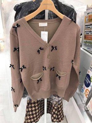 日本專櫃   蝴蝶結滿滿咖啡色小外套  簡單好搭 搭千金風高雅專櫃 質感沒話說 特價當然要趕緊買阿! 單一尺寸