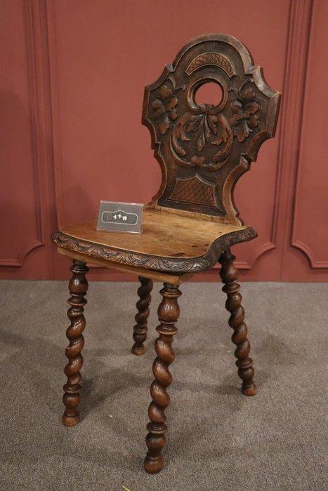 【卡卡頌 歐洲跳蚤市場/歐洲古董】美 ! 法國 ~胡桃木 藝術雕刻 古董木椅 ch0349