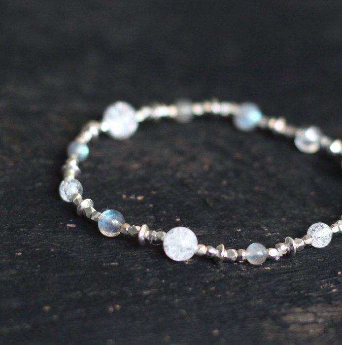 白銀. 天然礦石手鍊 灰月光石白水晶 拉長石 彈性線材 925銀手環