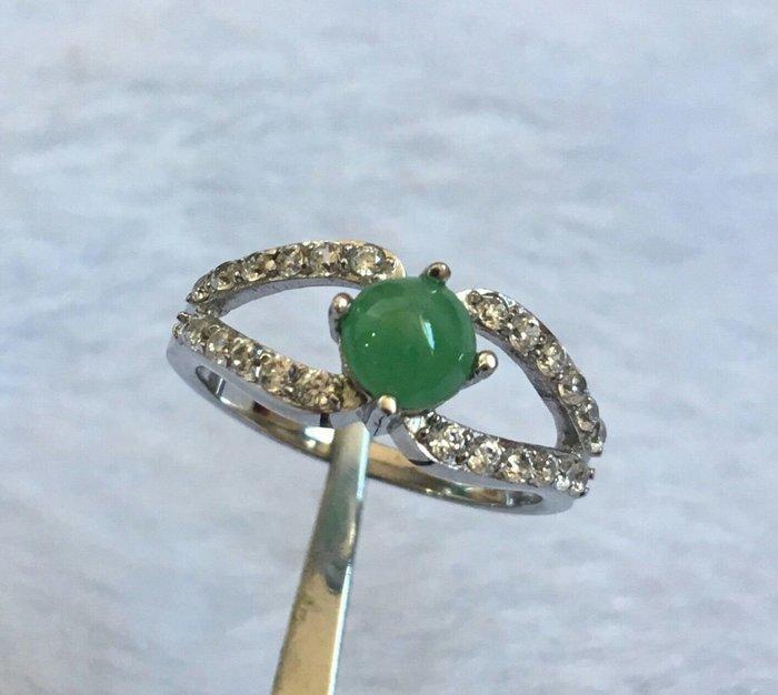 珍奇翡翠珠寶首飾-戒指系列-冰種飽水起光。正陽綠翡翠戒指。925銀戒台。附證書
