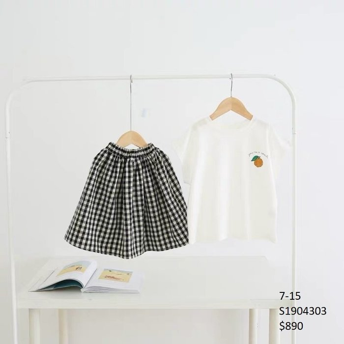 【Girl】 JC BABY 休閒桃子上衣+格紋裙套裝(圖片色) #S1904303