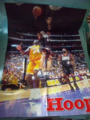 【姜軍府】《TAIWAN HOOP NBA美國職籃海報一張!》LAKERS 34 SLXER 3