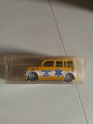 TOYOTA XB BB 1/60 AMBULANCE AND RESCUE