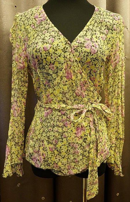 近全新名牌 Anna Sui 純絲 Silk 小花甜美風小公主袖圍裹式上衣,胸前有隱形扣避免曝光!只穿過一次!免運!