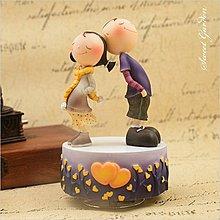 Sweet Garden, 送男女朋友禮物 情人節 生日 小情人相依相偎 WSA愛的季節旋轉音樂盒(免運)