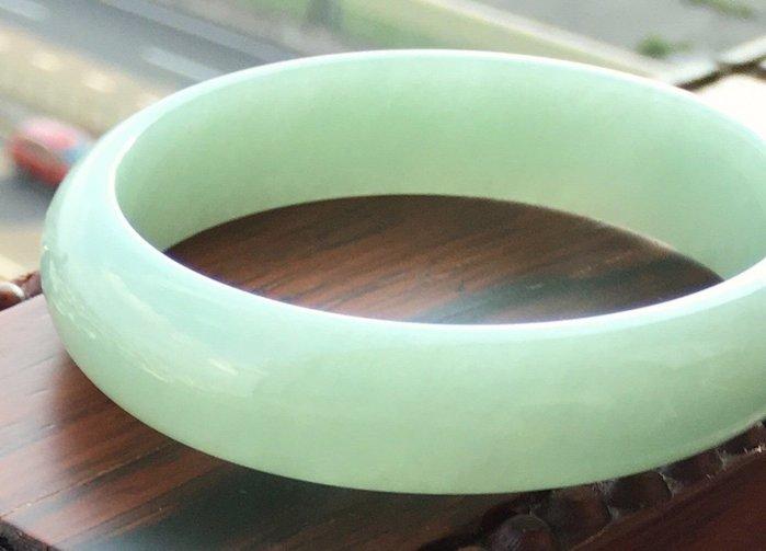 珍奇翡翠珠寶首飾-玉鐲系列-完美冰種起光翠綠翡翠手鐲,玉鐲,肉結細膩冰透水頭好,無扣,無裂,附證書