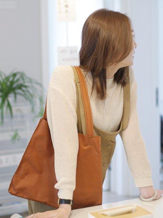 原創設計師女包小眾休閒復古ins軟皮托特包單肩手提金色牛皮大包