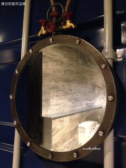 尼克卡樂斯~工業風復古水龍頭造型壁掛圓鏡 衛浴掛鏡 浴室鏡子 仿舊仿繡復古美式鄉村風格掛飾 廁所餐廳服飾店鏡子