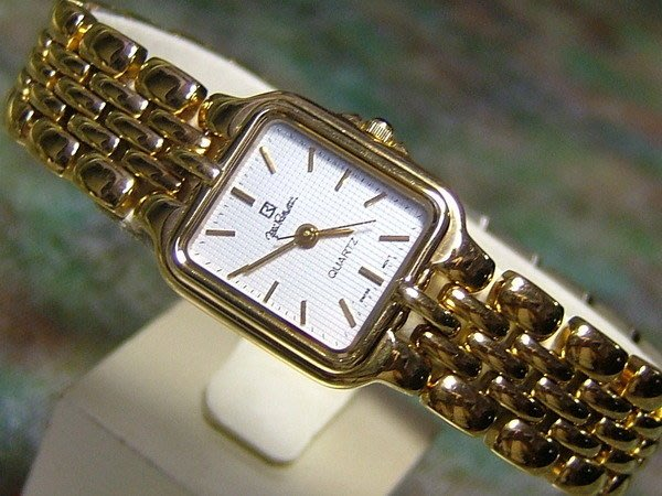 全心全益低價特賣*伊陸發鐘錶百貨* 都會新貴蘿莎蒂 高級女錶.財運好運旺旺來