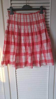 Burberry London 白底紅格棉百褶裙