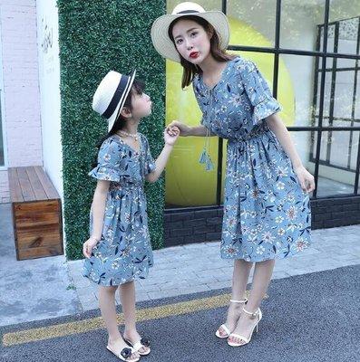 洋裝 女童裙子親子裝夏裝 新款粉色格子碎花短袖連身裙韓版母女裝—莎芭