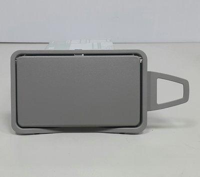 BENZ W211 2003-2008 W212 2009- 遮陽板 化妝鏡 (左邊.駕駛邊) 2118110110