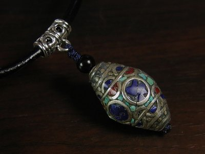藏珠物流中心 * * *鑲寶藏銀珠*皮繩項鍊**F082