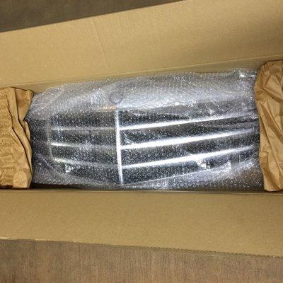 BENZ 賓士原廠全新 W212 7線式水箱護罩(改款前)