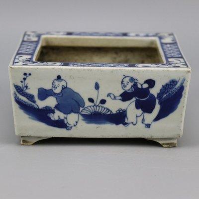 ㊣姥姥的寶藏㊣ 大清咸豐手繪青花嬰戲紋小號四方花盆