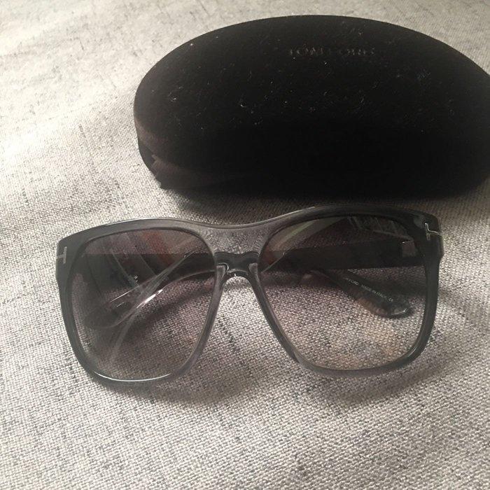 Tom Ford 太陽眼鏡 墨鏡 經典款 灰色系