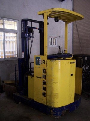 KOMATSU 1.3噸電動堆高機