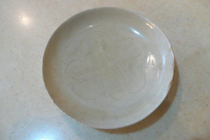 北宋時期 江西南豐窯青白釉篦紋刻花敞口洗碟