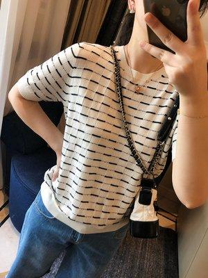 《巴黎拜金女》美麗諾羊毛針織T恤上衣