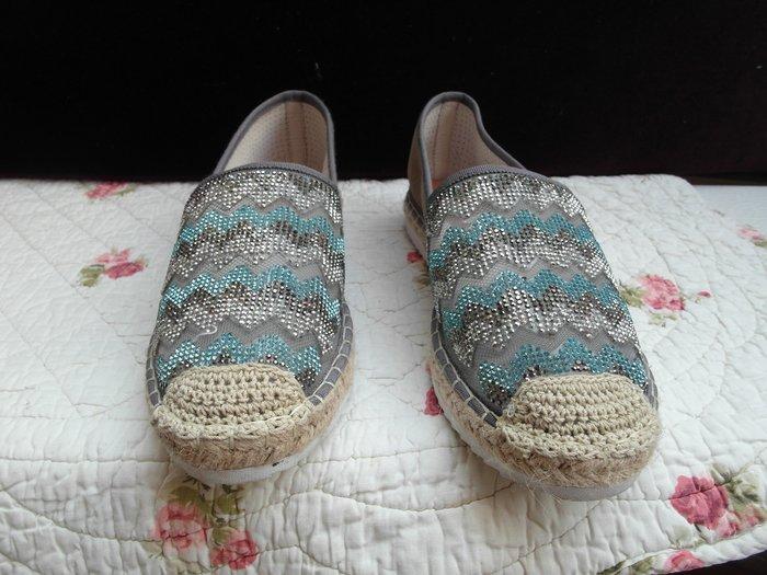 浪漫滿屋 女鞋系列*TAS休閒鞋 .帆布鞋.平底鞋.各類鞋款......48
