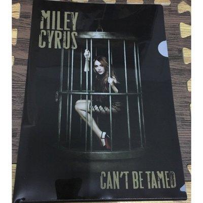 《全新限量》Miley Cyrus 麥莉 Can't Be Tamed 無法擋 L夾 資料夾