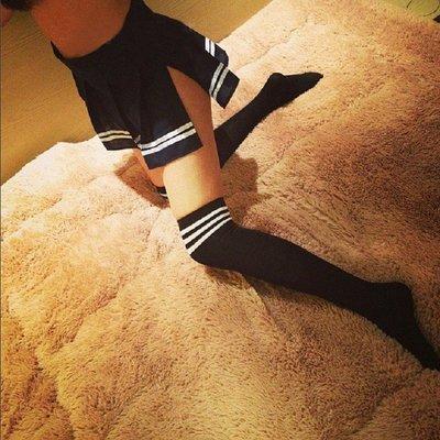 【伊性坊】情趣女式學生襪條紋襪黑白長筒吊帶絲襪制服誘惑套裝7221