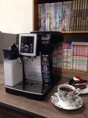 Delonghi ECAM23.260.SB 迪朗奇 全自動義式咖啡機 全自動咖啡機 咖啡機 義式咖啡機 有奶罐 二手