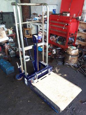 中古400kg迷你型腳踏油壓堆高機/升降機