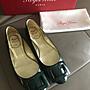 可刷卡 Roger Vivier RV  墨綠色漆皮平底鞋(售出)