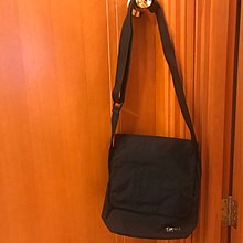Agnes b 黑色 斜背袋 手袋 (8成新) 28cm x 28cm x 9cm
